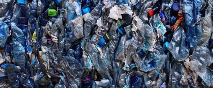 stop-using-plastic-compressed-plastic-water-bottles_t20_eVVdEv